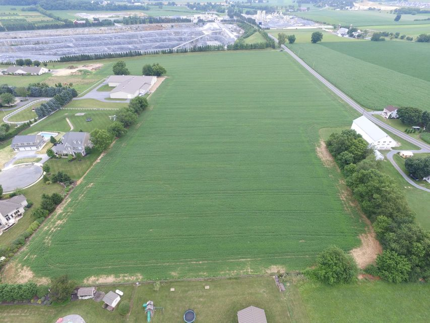 Additional photo for property listing at 1074 ERBS QUARRY ROAD 1074 ERBS QUARRY ROAD Lititz, Pennsylvania 17543 Estados Unidos