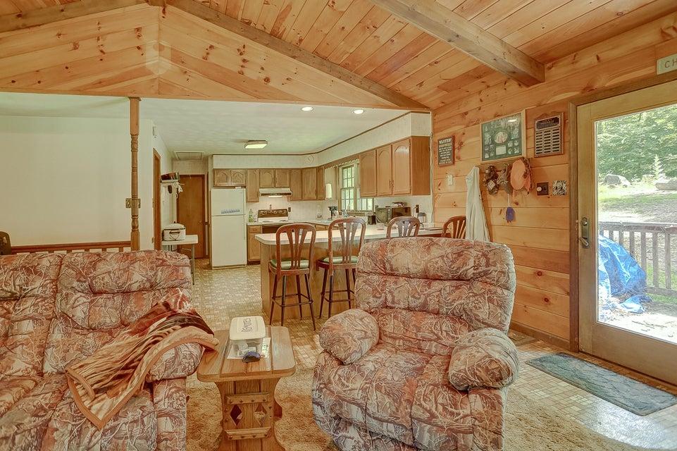 Additional photo for property listing at 734 VALENTINE ROAD 734 VALENTINE ROAD Ickesburg, Pennsylvania 17037 Estados Unidos