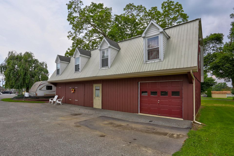 Additional photo for property listing at 3157 LINCOLN HIGHWAY EAST 3157 LINCOLN HIGHWAY EAST Paradise, Pennsylvania 17562 Estados Unidos
