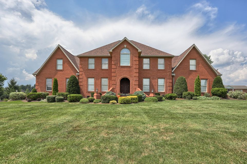 Additional photo for property listing at 135 CLUB TERRACE 135 CLUB TERRACE Lebanon, Pennsylvania 17042 United States