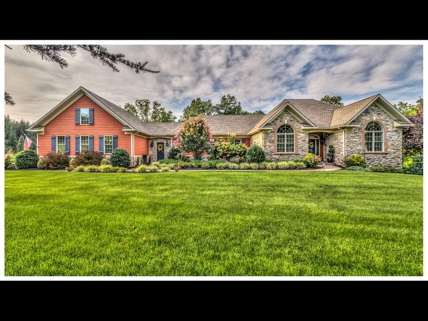 Single Family Home for Sale at 140 ACORN ROAD 140 ACORN ROAD Spring Grove, Pennsylvania 17362 United States