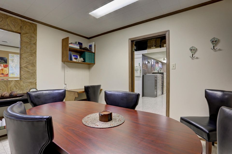 Additional photo for property listing at 506 LINCOLN AVENUE 506 LINCOLN AVENUE 立提兹市, 宾夕法尼亚州 17543 美国