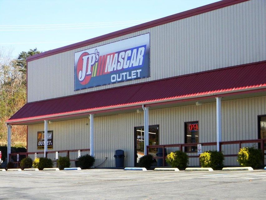 Commercial for Sale at 224 Peavine Road Crossville, Tennessee 38555 United States