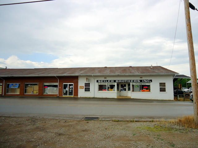 Commercial for Sale at 301 Sweetwater Vonore Road Sweetwater, Tennessee 37874 United States
