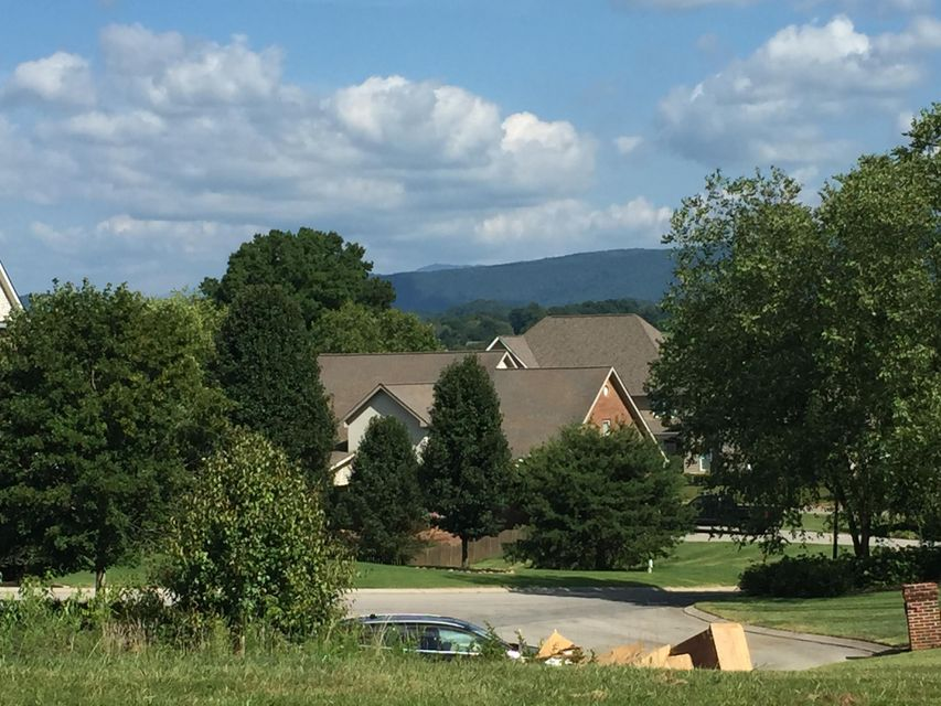 Additional photo for property listing at 1120 Stonehenge Drive 1120 Stonehenge Drive Maryville, Tennessee 37803 États-Unis