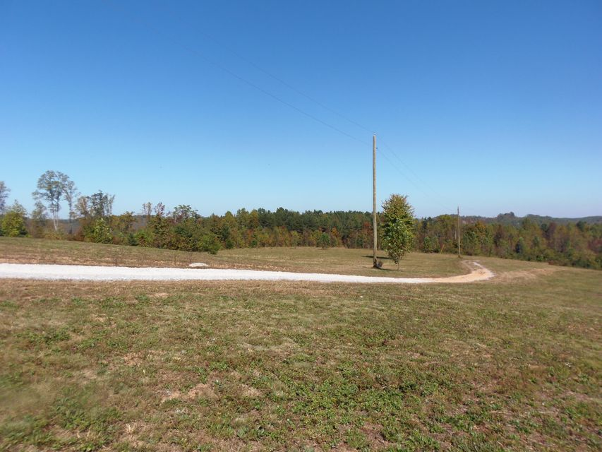 Additional photo for property listing at 5057 Clay Hollow Road 5057 Clay Hollow Road Sweetwater, Tennessee 37874 Estados Unidos