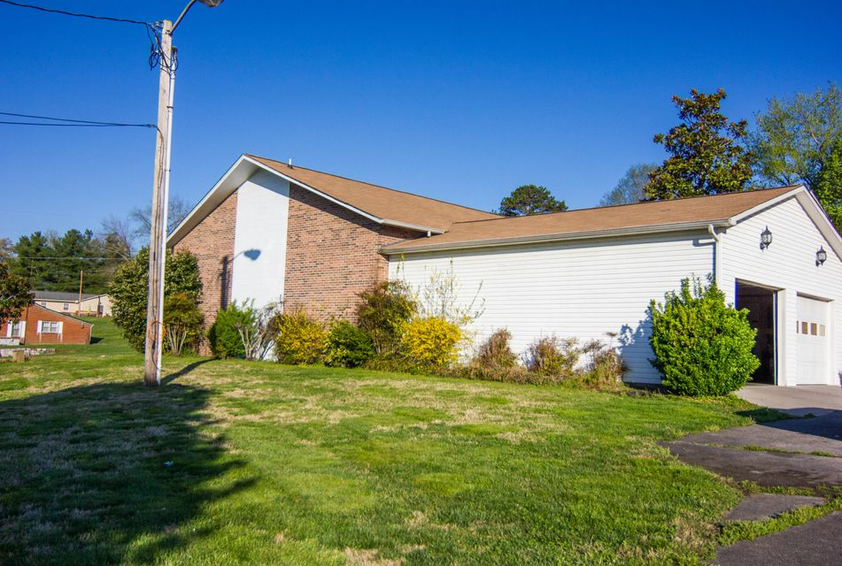 Additional photo for property listing at 3462 Hines Valley Road  Lenoir City, Tennessee 37771 United States