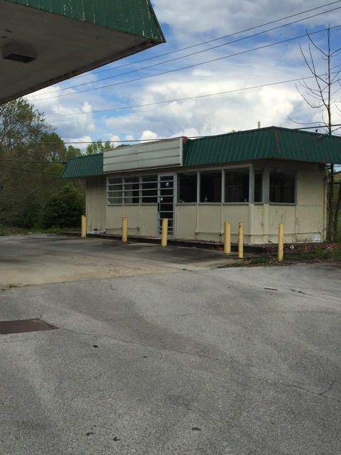 Additional photo for property listing at 1010 S Gateway Avenue 1010 S Gateway Avenue Rockwood, Tennessee 37854 États-Unis