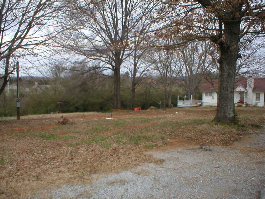 Additional photo for property listing at 31 Melrose Avenue 31 Melrose Avenue Englewood, Tennessee 37329 United States