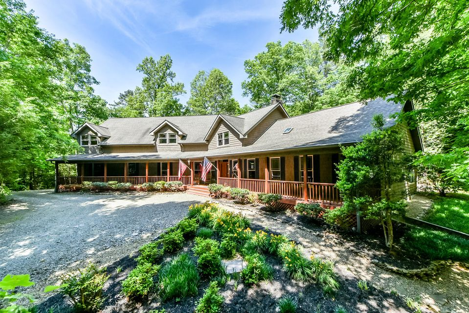 Maison unifamiliale pour l Vente à 143 Indian Creek Tr Townsend, Tennessee 37882 États-Unis