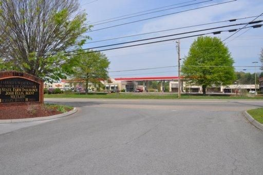 Commercial for Sale at 11824 Kingston Pike Knoxville, Tennessee 37934 United States