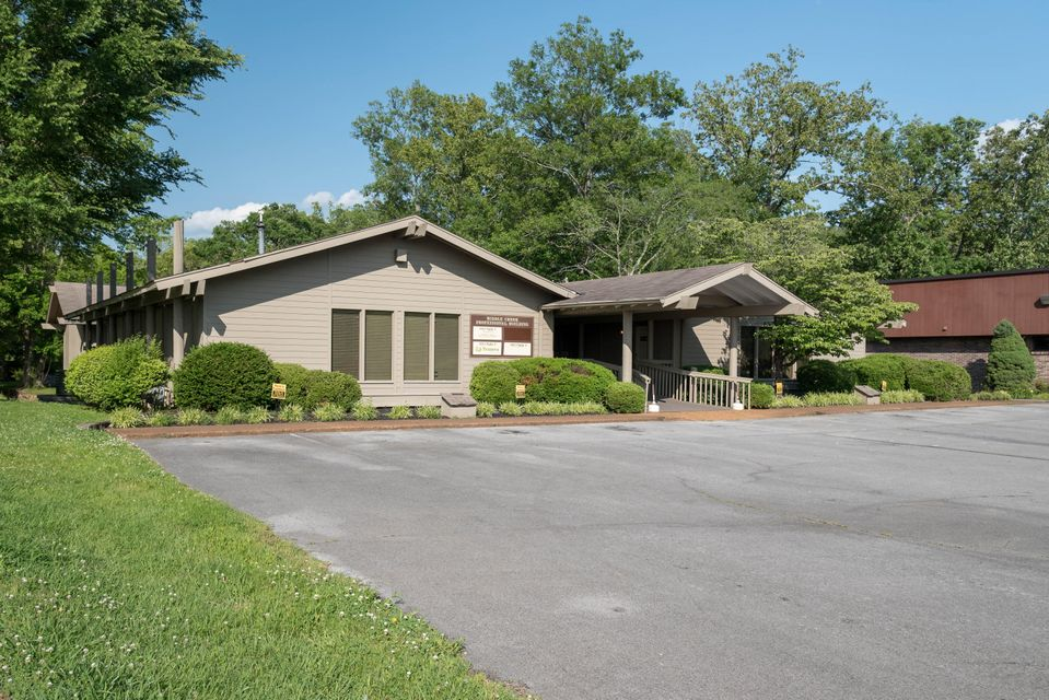 Additional photo for property listing at 820 Middle Creek Road  Sevierville, Tennessee 37862 États-Unis