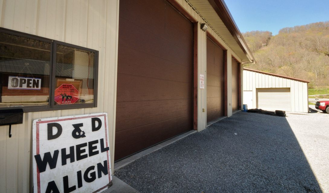 Commercial for Sale at 629 Brooklyn Street Cumberland Gap, Tennessee 37724 United States