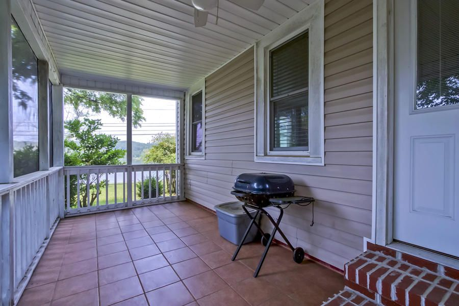 Additional photo for property listing at 820 S Kentucky Street 820 S Kentucky Street Kingston, 田纳西州 37763 美国