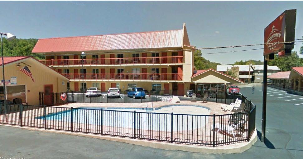 商用 为 销售 在 208 Woliss Lane Gatlinburg, 田纳西州 37738 美国