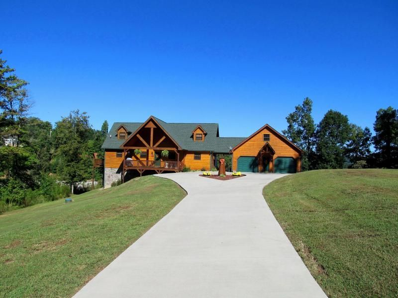 Single Family Home for Sale at 1460 Indian Shadows Drive Ten Mile, Tennessee 37880 United States