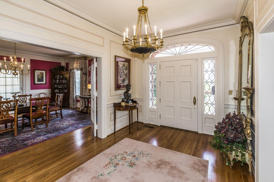 Additional photo for property listing at 403 Church Street 403 Church Street Sweetwater, Tennessee 37874 États-Unis