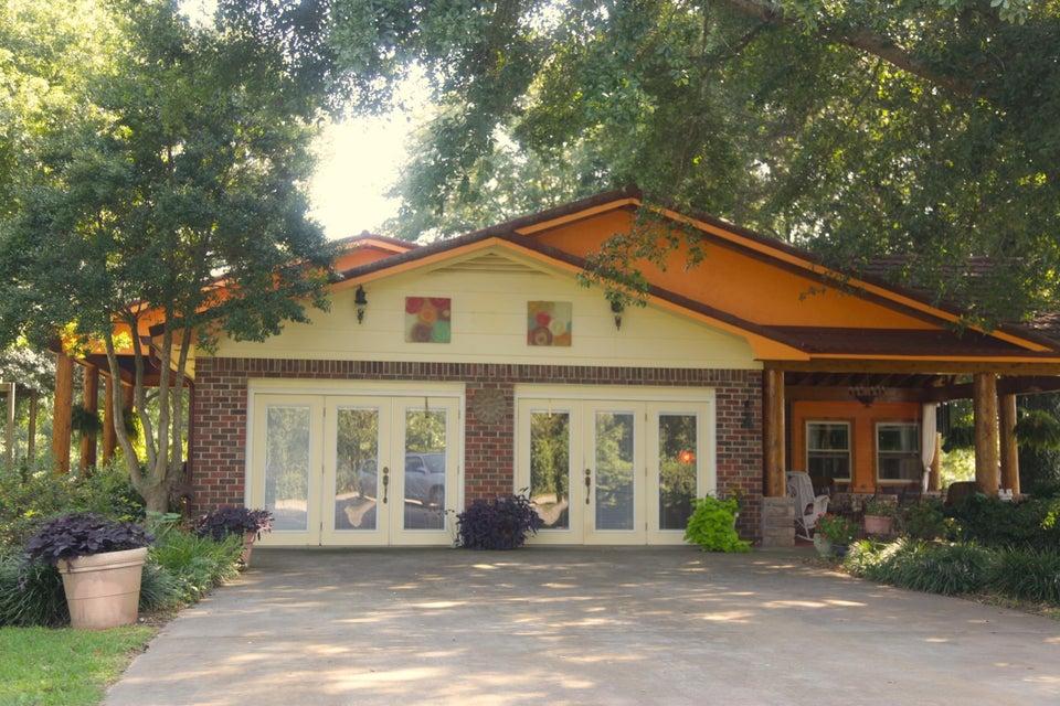 Частный односемейный дом для того Продажа на 821 Parksville Road 821 Parksville Road Benton, Теннесси 37307 Соединенные Штаты