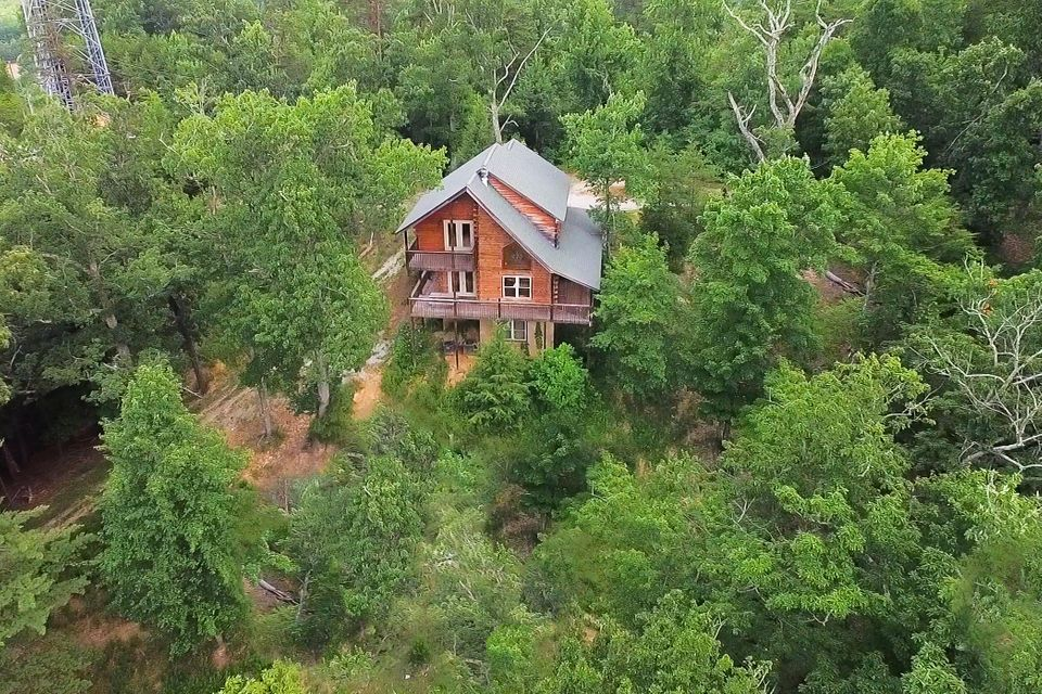 Single Family Home for Sale at 2271 Veterans Blvd Pigeon Forge, Tennessee 37863 United States