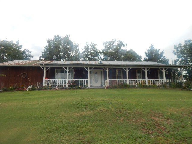 Single Family Home for Sale at 399 Hilltop Est Sneedville, Tennessee 37869 United States