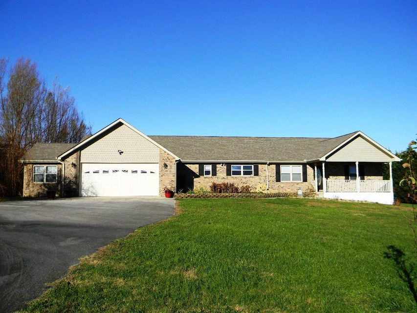 Single Family Home for Sale at 6721 Eastland Road 6721 Eastland Road Sparta, Tennessee 38583 United States