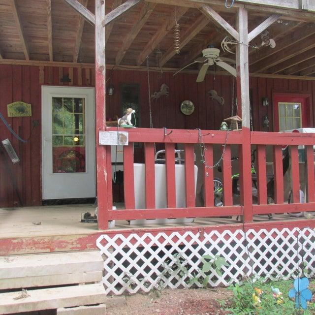Maison unifamiliale pour l Vente à 351 Scott Wyatt Road Deer Lodge, Tennessee 37726 États-Unis