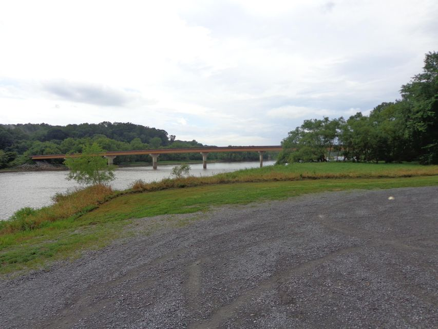 Additional photo for property listing at Par. 032.0 Holt Town Road Par. 032.0 Holt Town Road Newport, Tennessee 37821 Estados Unidos
