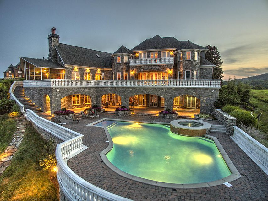 Частный односемейный дом для того Продажа на 190 Bay Pointe Road Vonore, Теннесси 37885 Соединенные Штаты