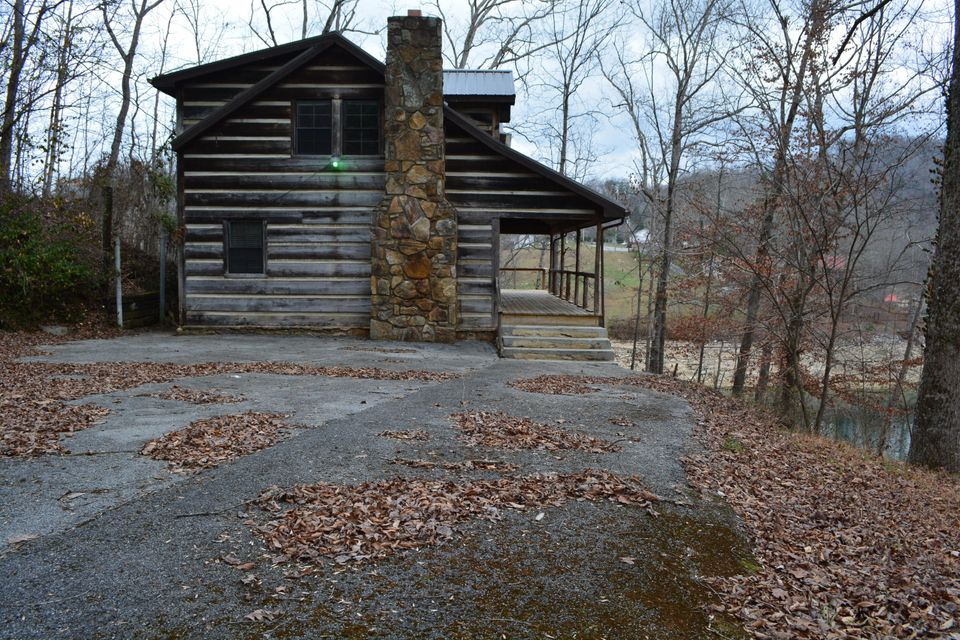 Single Family Home for Sale at Andrews Lane Caryville, Tennessee 37714 United States