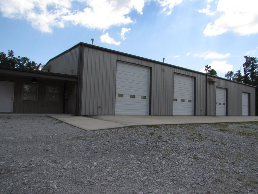 Commercial for Sale at 1079 Bristow Road 1079 Bristow Road Crossville, Tennessee 38571 United States