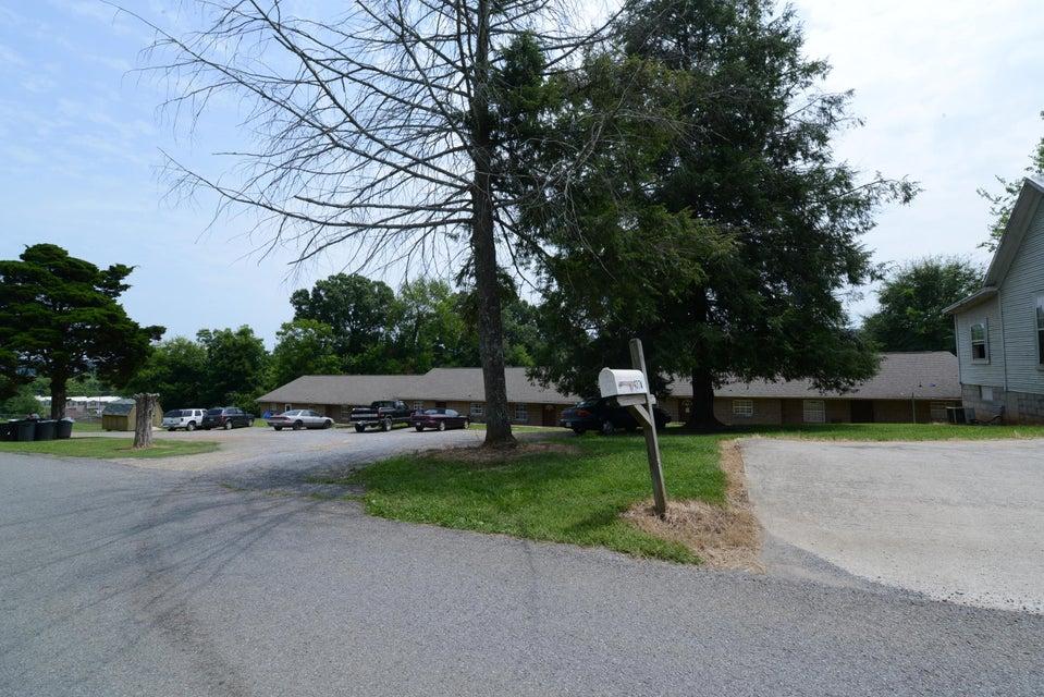 Maison avec plusieurs logements pour l Vente à 407/437 Memorial Avenue. Avenue 407/437 Memorial Avenue. Avenue Dayton, Tennessee 37321 États-Unis