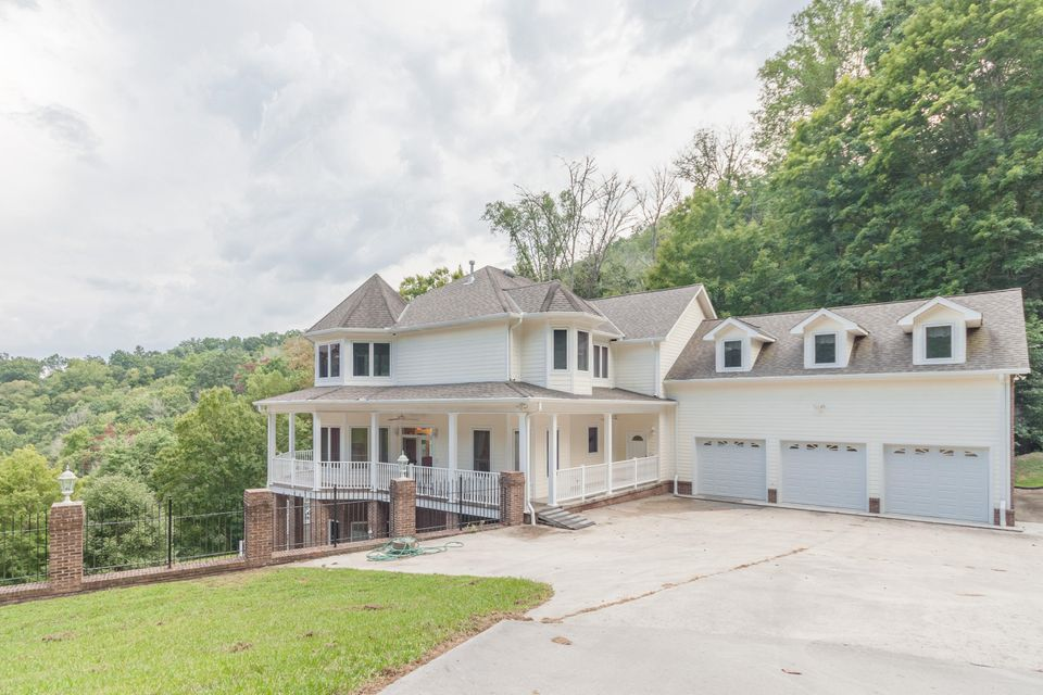 Gorgeous lake front home for sale