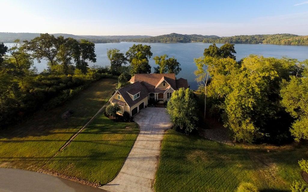 Частный односемейный дом для того Продажа на 317 E Shore Drive Rockwood, Теннесси 37854 Соединенные Штаты
