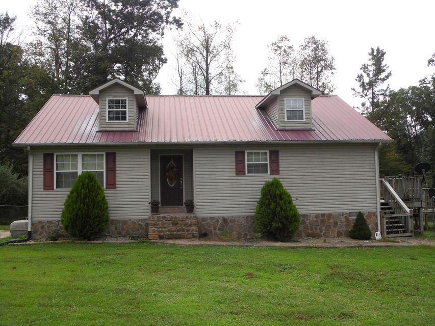 Single Family Home for Sale at 545 Old Wooldridge Pike Jellico, Tennessee 37762 United States