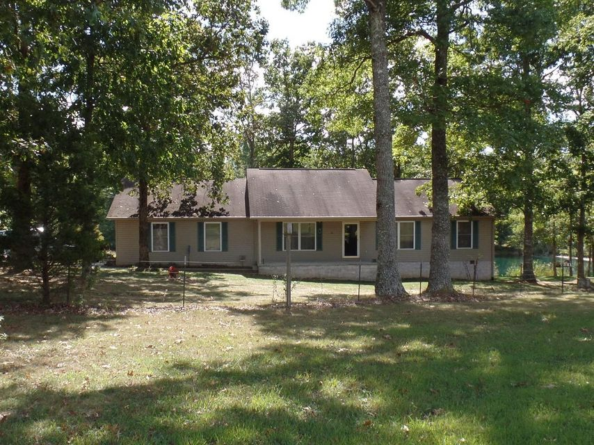 Single Family Home for Sale at 8590 Lantana Road 8590 Lantana Road Crossville, Tennessee 38572 United States