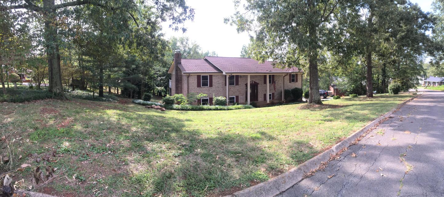 Single Family Home for Sale at 1102 Brentwood Etowah, Tennessee 37331 United States