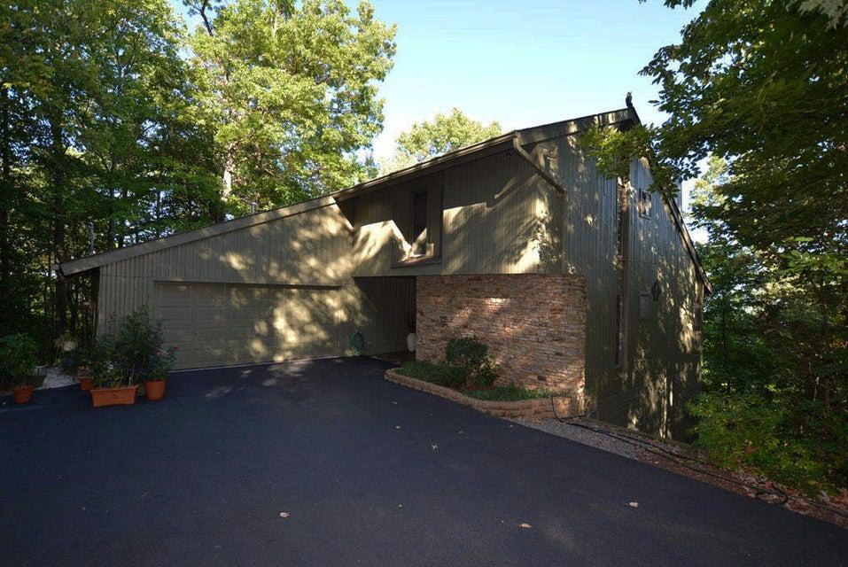 Частный односемейный дом для того Продажа на 1215 Wiley Oakley Drive Gatlinburg, Теннесси 37738 Соединенные Штаты