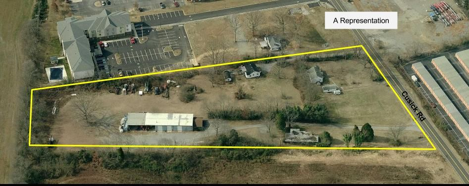 Commercial for Sale at 230 Cusick Road Alcoa, Tennessee 37701 United States