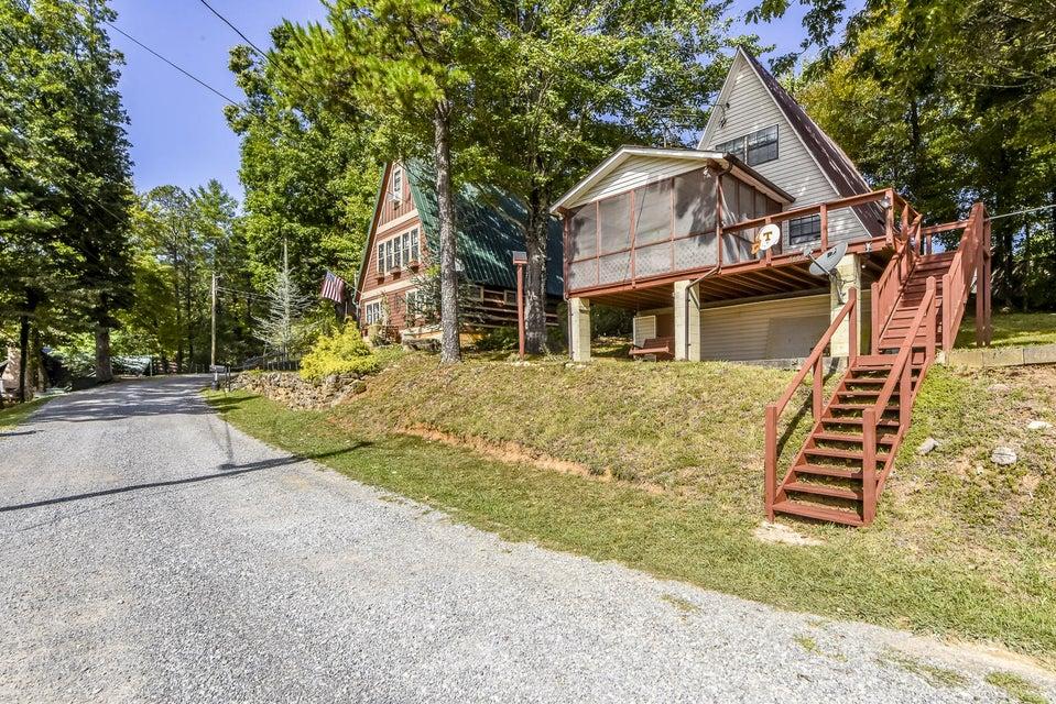 Maison unifamiliale pour l Vente à 5602 Lakeshore Drive Tallassee, Tennessee 37878 États-Unis