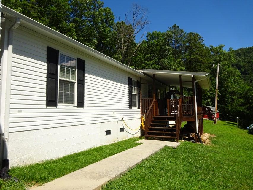 Частный односемейный дом для того Продажа на 276 Snake Hollow Road Sneedville, Теннесси 37869 Соединенные Штаты