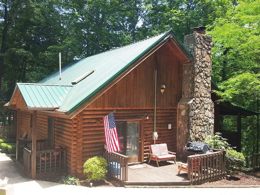 Log home for sale at Cove Pointe