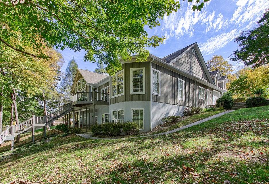 独户住宅 为 销售 在 177 Hiwassee Point Jacksboro, 田纳西州 37757 美国
