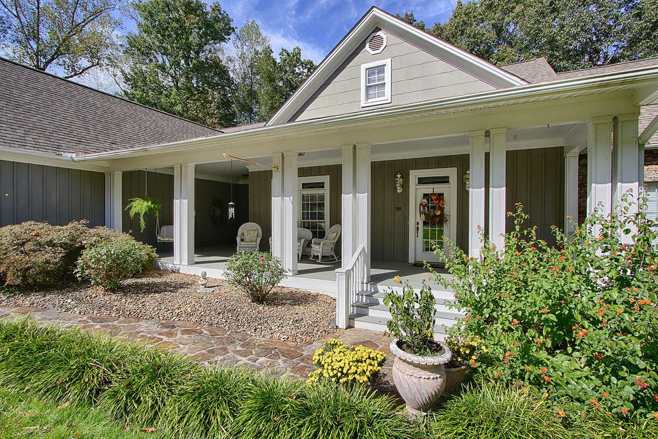Single Family Home for Sale at 177 Hiwassee Point Jacksboro, Tennessee 37757 United States