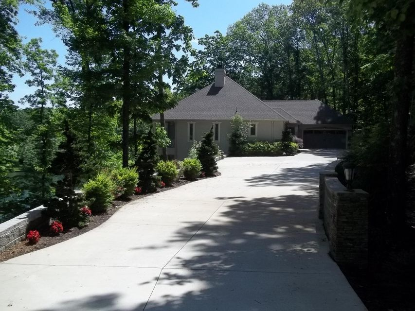 Single Family Home for Sale at 70 Chelteham Lane Fairfield Glade, Tennessee 38558 United States