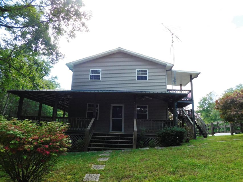 Single Family Home for Sale at 517 Hicks Road Oneida, Tennessee 37841 United States