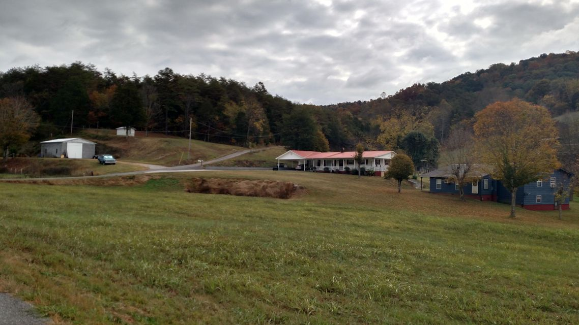 Single Family Home for Sale at 112 Shockley Cemetery Road Thorn Hill, Tennessee 37881 United States