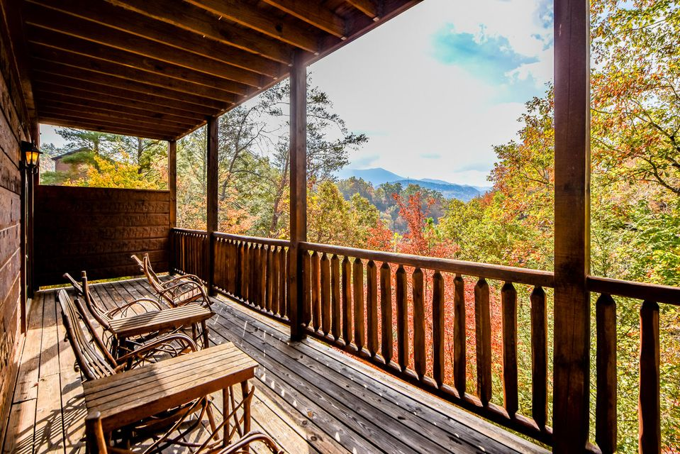 Additional photo for property listing at 810 Great Smoky Way  Gatlinburg, Tennessee 37738 États-Unis