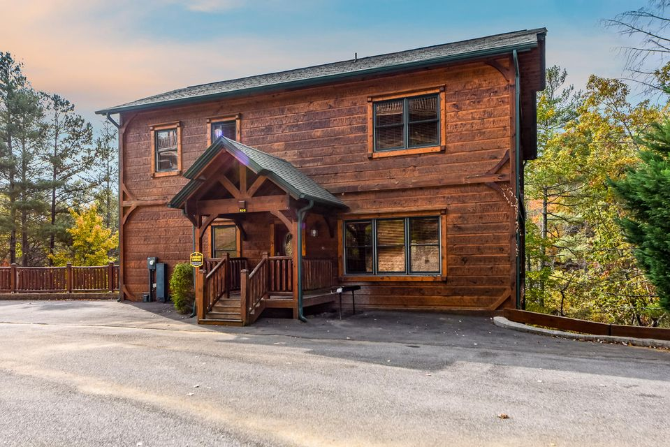 Maison unifamiliale pour l Vente à 810 Great Smoky Way Gatlinburg, Tennessee 37738 États-Unis