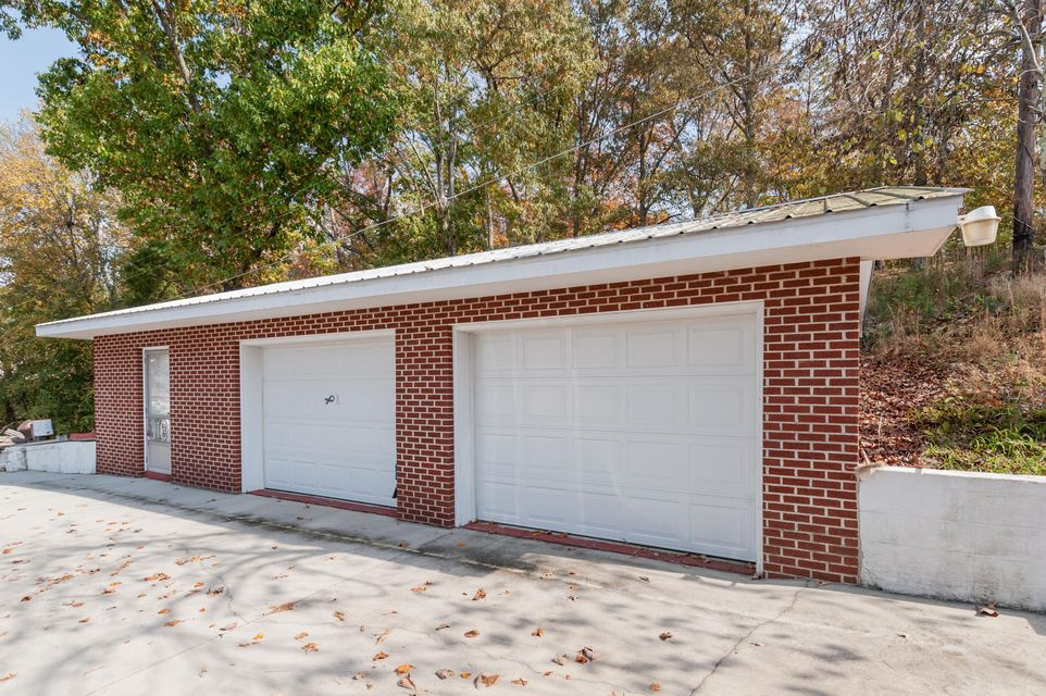 Additional photo for property listing at 1208 S Kentucky Street 1208 S Kentucky Street Kingston, Tennessee 37763 United States