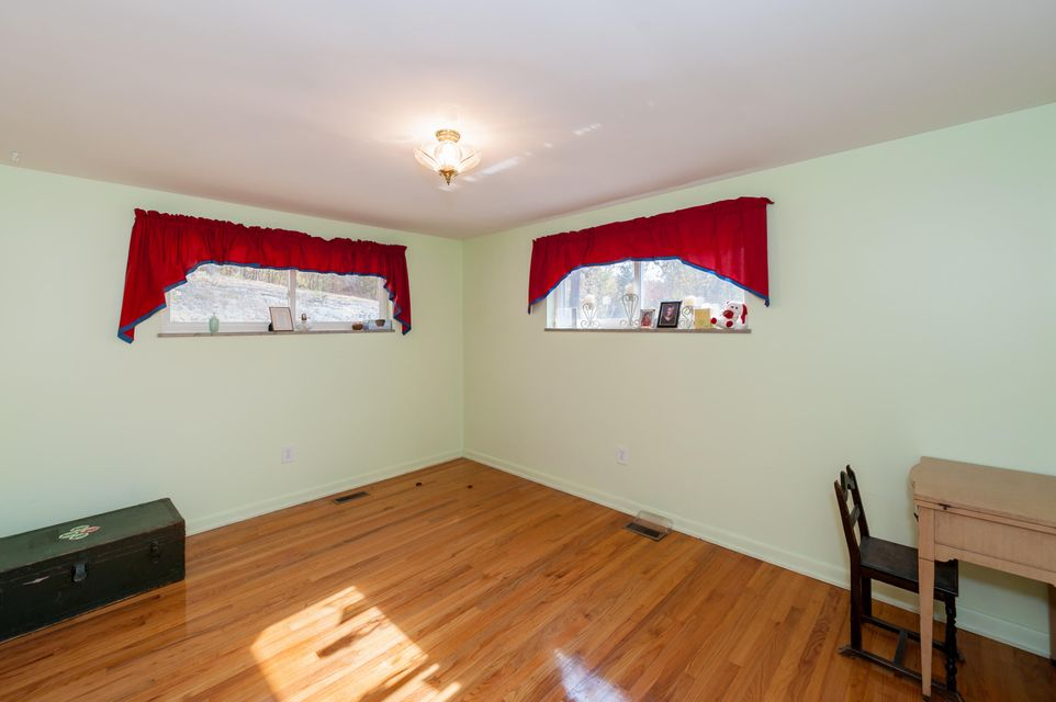 Additional photo for property listing at 1208 S Kentucky Street 1208 S Kentucky Street Kingston, 田纳西州 37763 美国